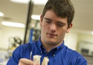A partnership to serve Arlington ISD students with STEM program and UT Arlington